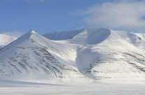 Mountains in Adventdalen